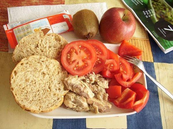 Какими обедами кормят школьников в разных странах мира