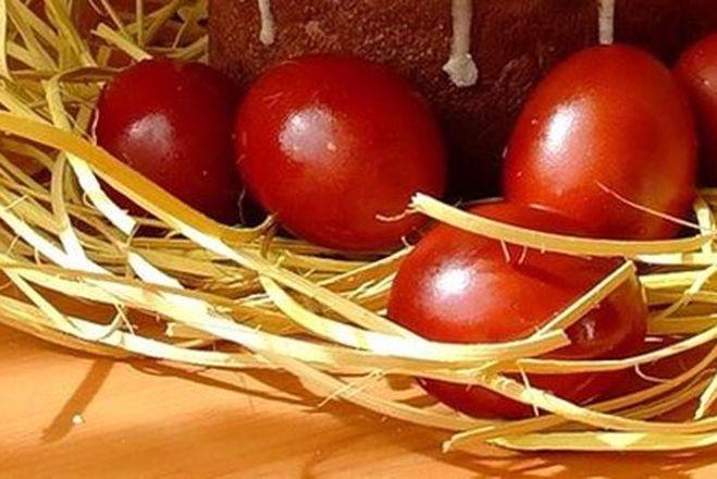 Готовимся к Пасхе: как правильно красить яйца