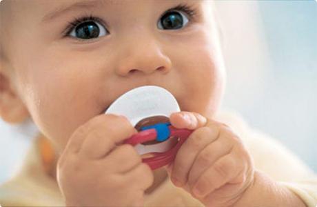 Как мы использовали соску-пустышку, чтобы малыш к ней не привязался
