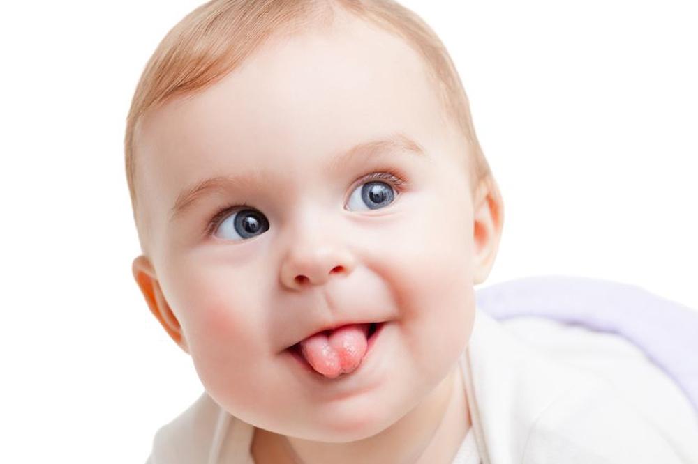 О чем расскажет язык вашего ребенка